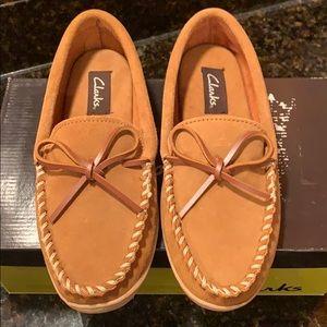 Clarks  |  Slippers